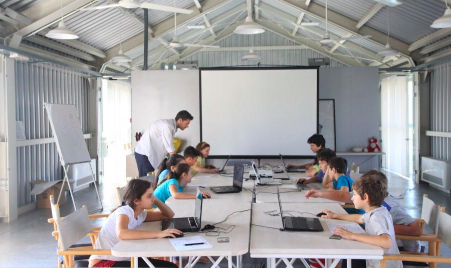Besplatan kurs programiranja za decu u Mokrin House-u