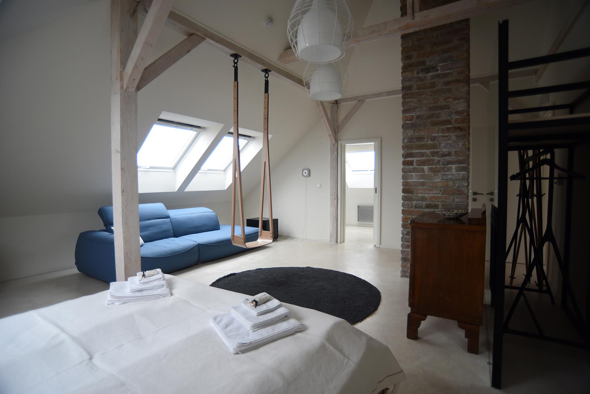 Room2-0