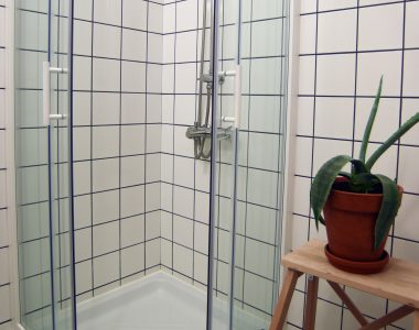 23_shower
