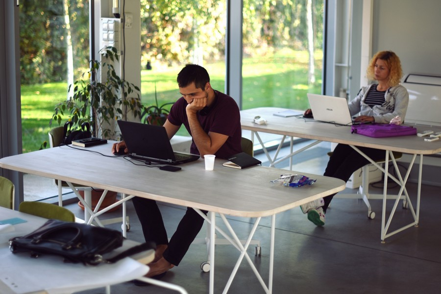 How to Create a Modern Office and Improve Your Employees' Well-being