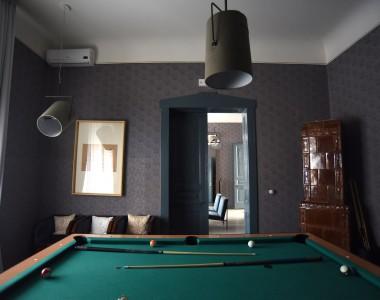 HOUSE A Pool Room