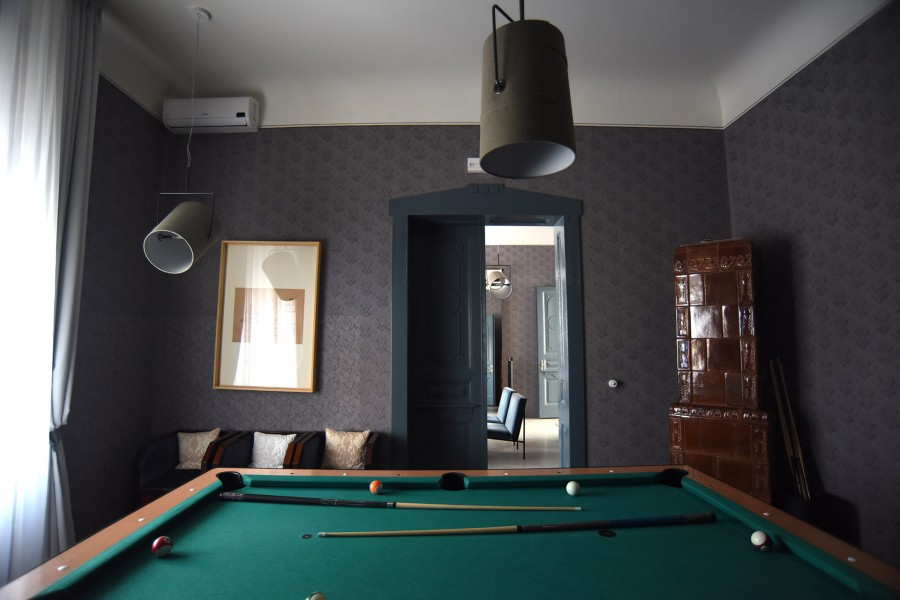 HOUSE A Pool Room
